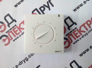 терморегулятор devireg 130. фото спереди